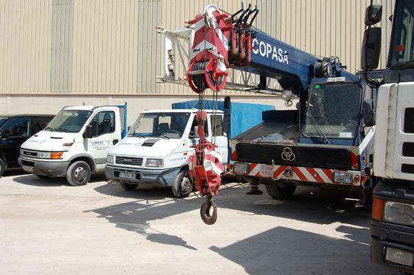 grúa y camiones COPASA
